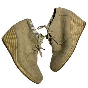 TOMS sz 9 The Desert wedge shoes
